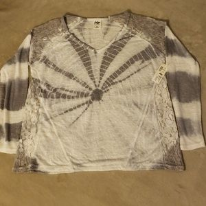 NWT Aeropostale Gray & White Tie Dye and Lace Top